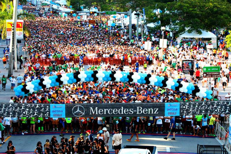 Mercedes-Benz Corporate Run 2013